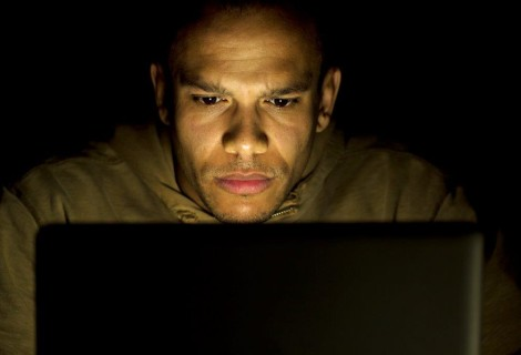 Online Dating Safety: 7 Tips to Stay Safe